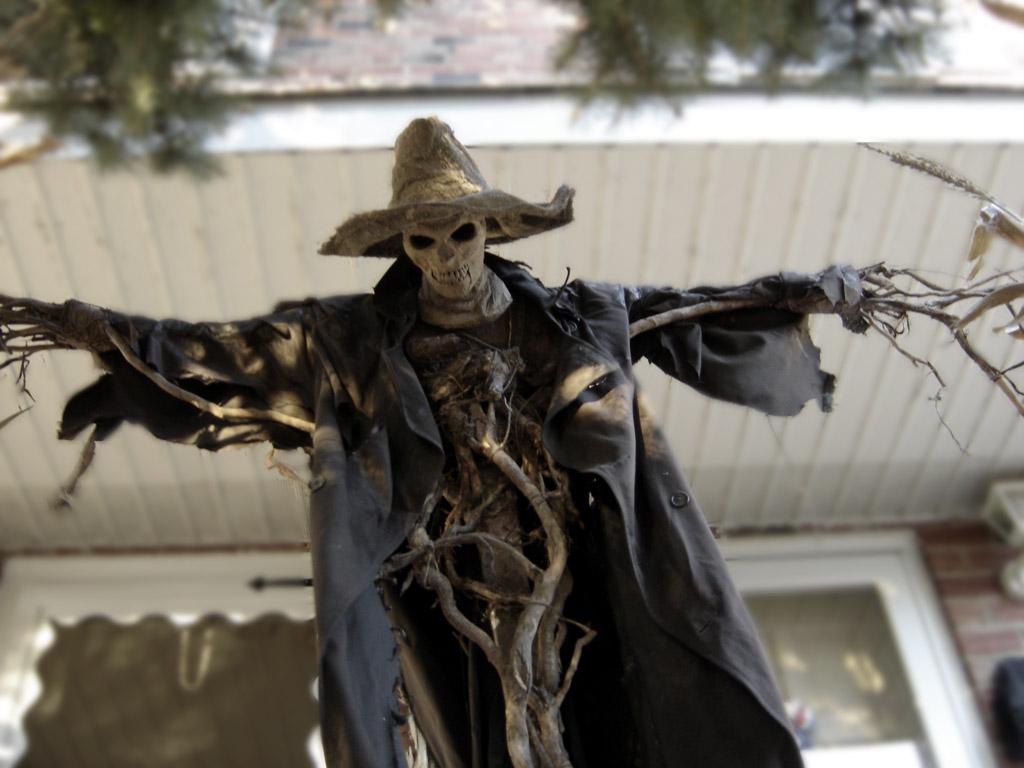 6 Least Scary Halloween Monsters   SMOSH
